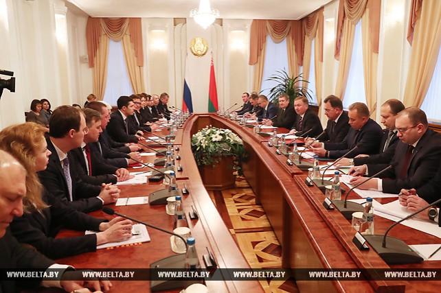 Кобяков встретился с губернатором Калининградской области России Антоном Алихановым