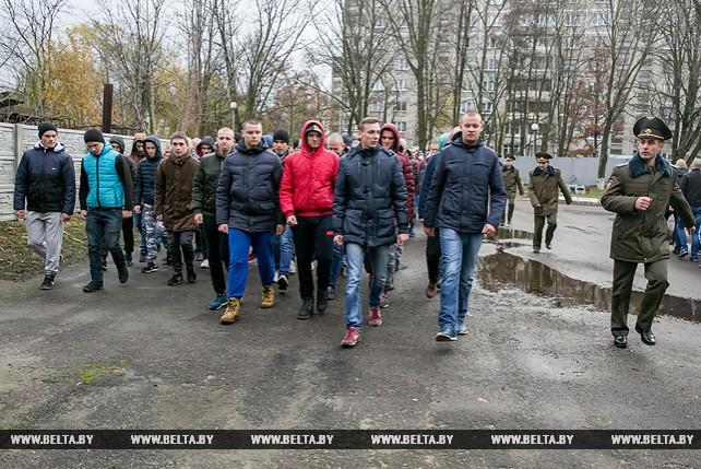 Более 2 тыс. жителей Брестской области будут призваны на службу в осенний призыв