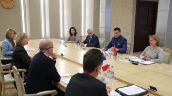 Щеткина встретилась с французскими парламентариями