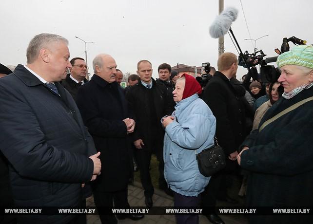 Лукашенко пообщался с жителями Буда-Кошелево