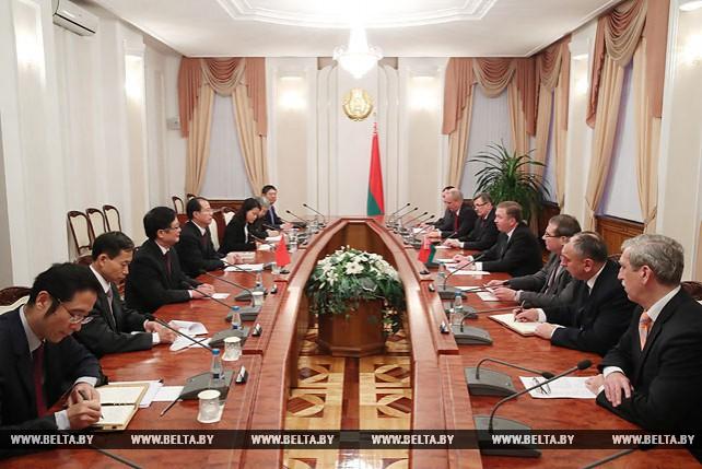 Кобяков встретился с заместителем министра коммерции КНР Фу Цзыином