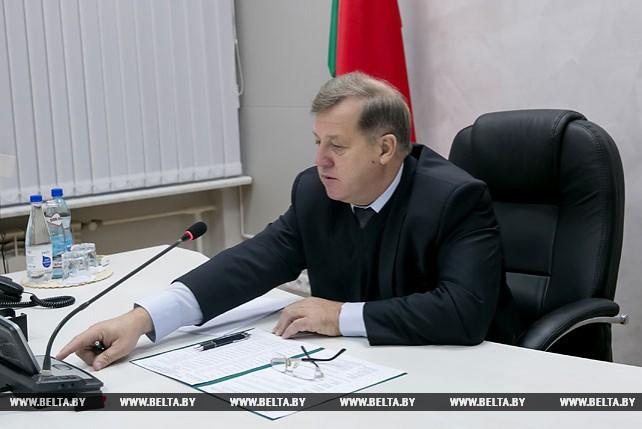 Председатель Брестского облисполкома провел прямую телефонную линию