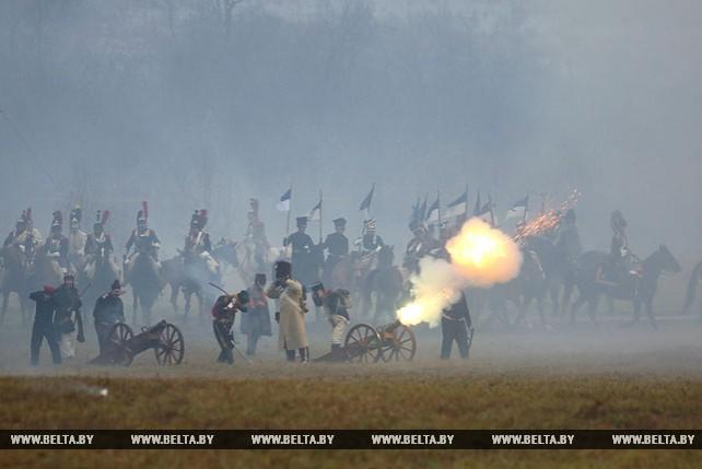 Военно-исторической реконструкцией отметили годовщину переправы армии Наполеона через Березину