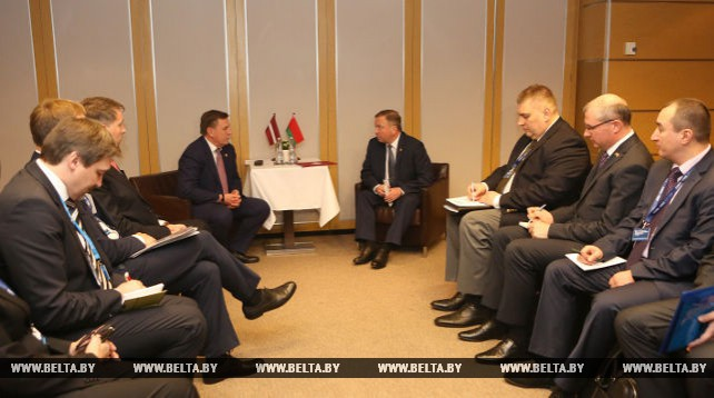 Кобяков встретился с премьер-министром Латвии