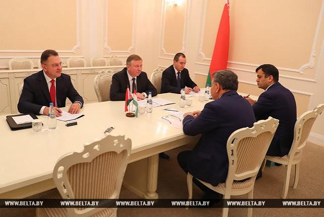 Кобяков встретился с послом Таджикистана в Беларуси