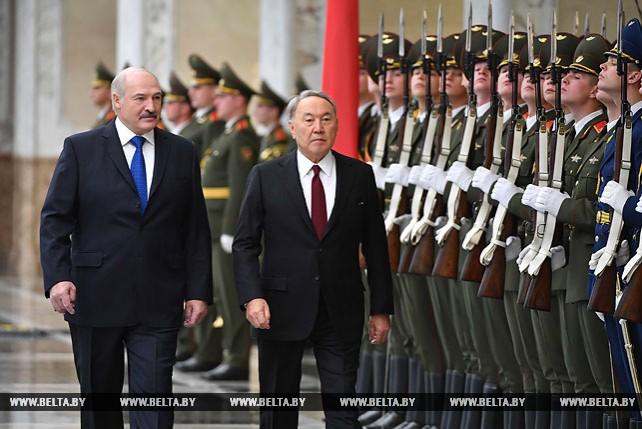 Церемония официальной встречи Назарбаева прошла во Дворце Независимости