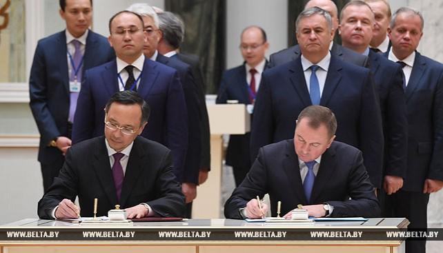 Ряд документов подписан по итогам переговоров лидеров Беларуси и Казахстана