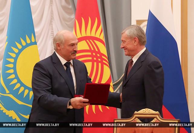 Лукашенко вручил Бордюже почетный знак ОДКБ