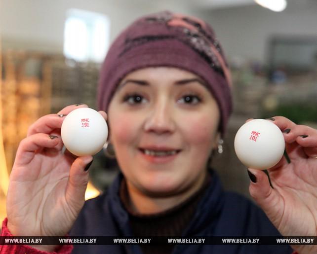 """Куриные яйца с надписью """"МЧС 101"""" изготовила птицефабрика в Витебской области"""