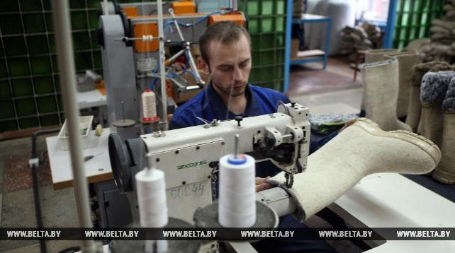 Смиловичская валяльно-войлочная фабрика - единственный в Беларуси производитель валяной обуви
