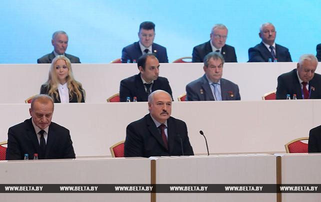 Лукашенко нацеливает интеллектуальную элиту на решение наиболее актуальных проблем