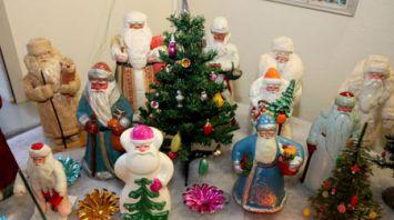 Витебчанка собрала около 3,5 тыс. антикварных елочных игрушек и украшений