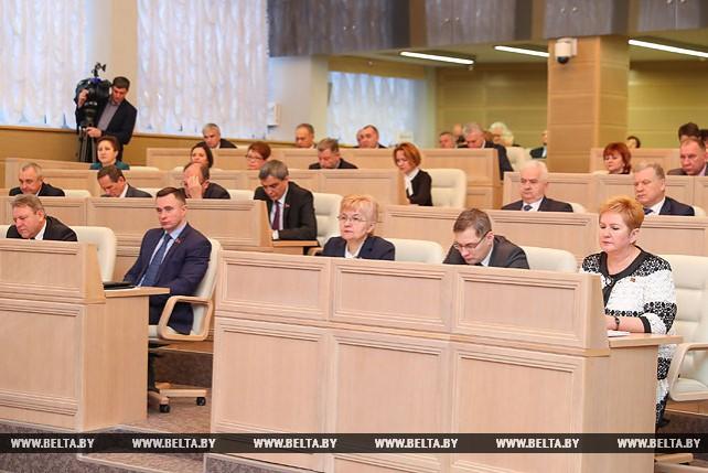 """Мясникович выступил на открытых парламентских слушаниях на тему """"Партнерство ветвей власти как необходимое условие успешного достижения Целей устойчивого развития"""""""
