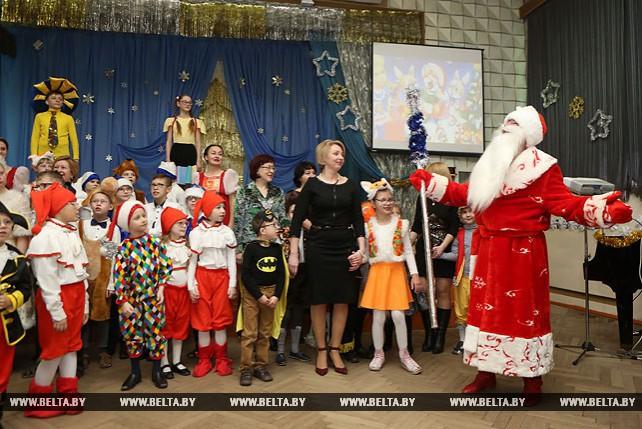 Кравцов принял участие в благотворительном празднике в гродненской школе-интернате для детей с нарушением зрения