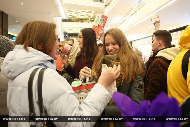 Массовый гифткроссинг прошел в ТРЦ Galleria Minsk