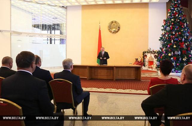 Кобяков вручил госнаграды представителям различных сфер