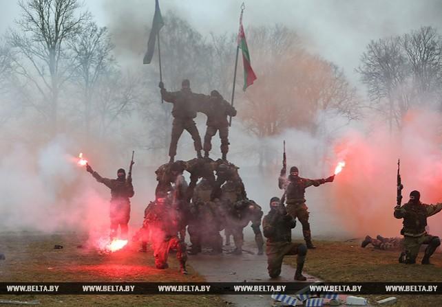 Бойцы бригады спецназа продемонстрировали показательные выступления
