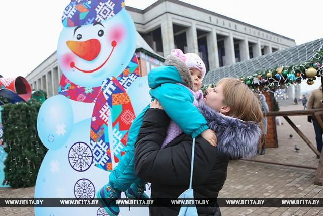 Минчане готовятся встретить Новый год