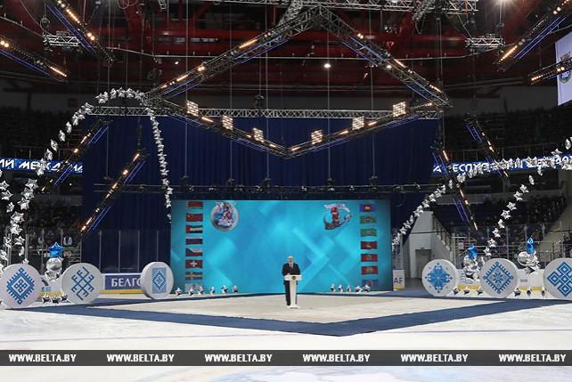 Лукашенко: мировые достижения белорусских атлетов основываются на прочном фундаменте детско-юношеского и массового спорта