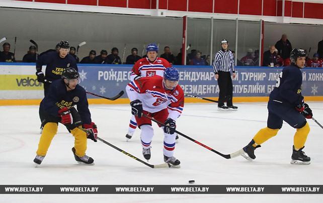 Команда Чехии разгромила хоккеистов Швеции на Рождественском турнире