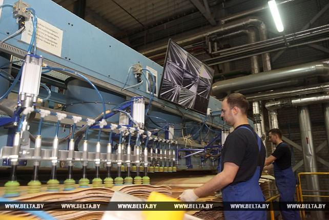"""Могилевское """"ВМГ Индустри"""" планирует вдвое увеличить производство и экспорт мебели в 2020 году"""