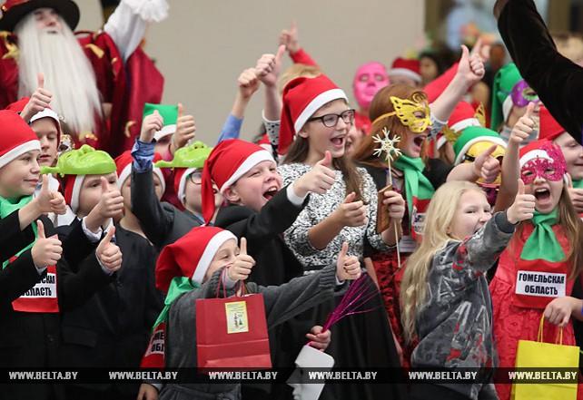 Новогодний праздник для детей прошел во Дворце Независимости