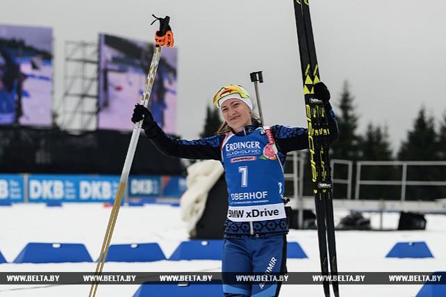 Дарья Домрачева финишировала шестой в гонке преследования на этапе КМ в Оберхофе
