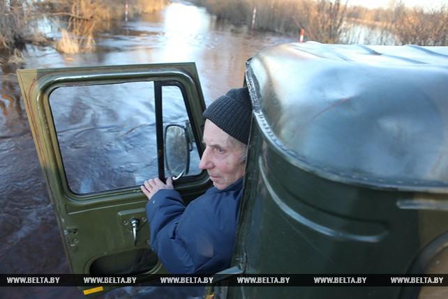 В Петриковском районе подтопило дорогу Лучицы-Хвойня