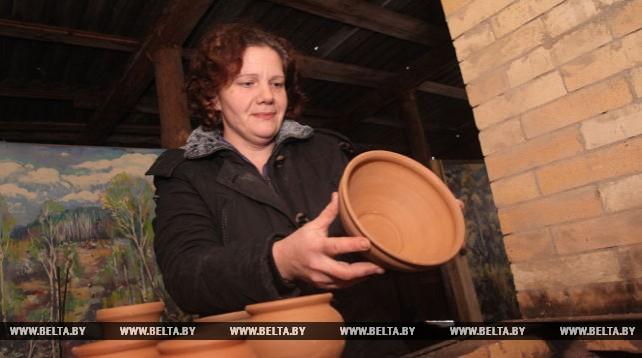 В Краснополье начала работу мастерская по развитию гончарства