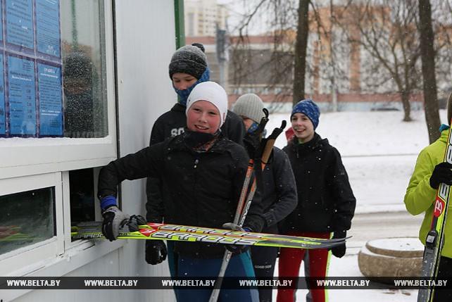Городская лыжная трасса на пр. Победителей начала работать. Вход бесплатный!