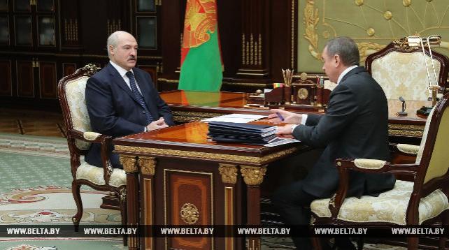 Лукашенко обсудил с Макеем оптимизацию в МИД и развитие внешнеэкономической деятельности