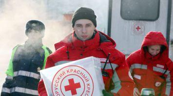 Волонтеры БОКК и госавтоинспекторы помогают водителям на дорогах Гомельского района