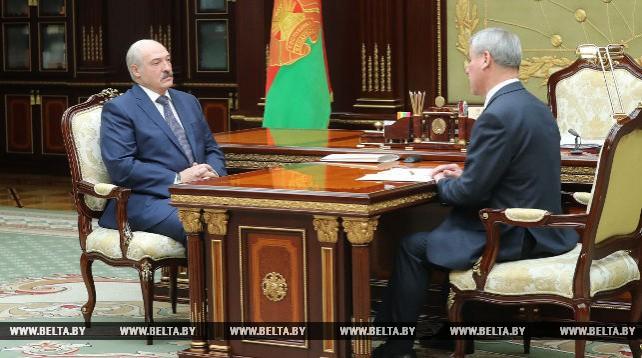 Лукашенко обсудил с Андрейченко кадровый потенциал Палаты представителей и международную деятельность