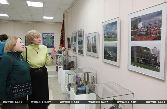 В Витебске открылась выставка к 80-летию области