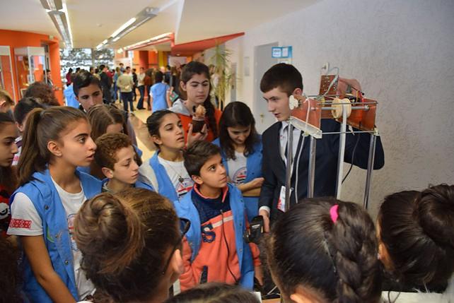 """Победители конкурса """"100 идей для Беларуси"""" встретились с одаренными детьми из Сирии"""