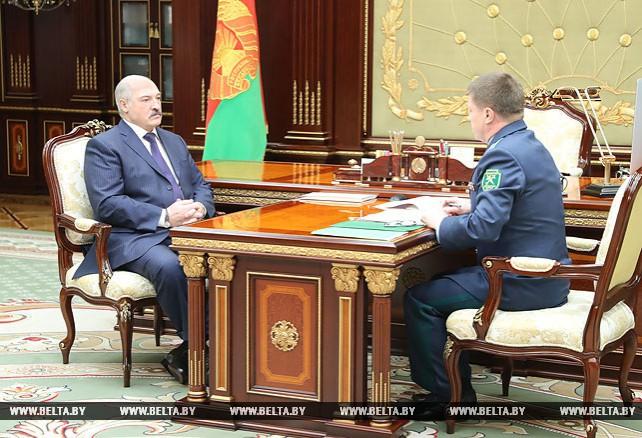 Лукашенко обсудил с Сенько сотрудничество с Россией в таможенной сфере
