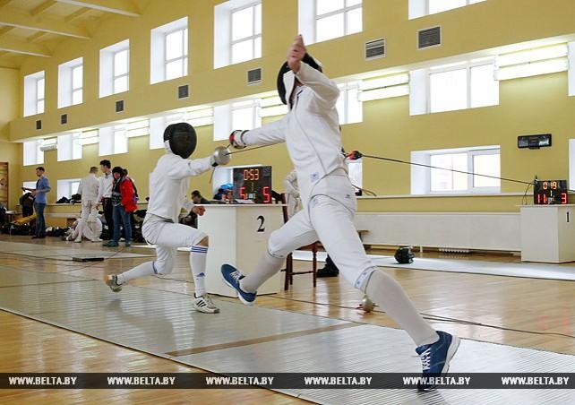 В Бресте проходит первенство Беларуси по фехтованию среди юниоров