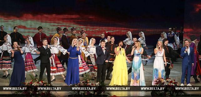Праздничный концерт состоялся в Большом театре оперы и балета для передовиков АПК
