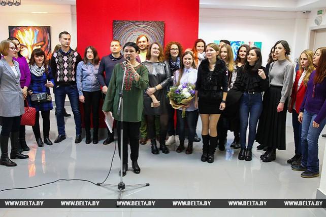 """Выставка """"Усе разам-5"""" открывает новые имена в изобразительном искусстве Брестской области"""