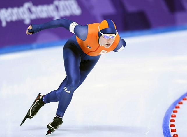 Конькобежки Нидерландов заняли весь олимпийский пьедестал на дистанции 3000 м