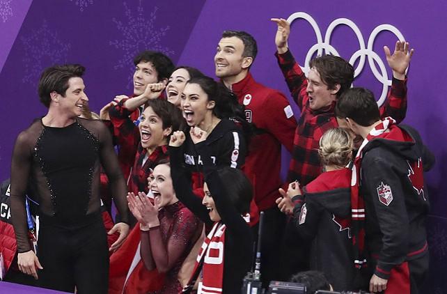Фигуристы Канады победили на ОИ в командном турнире