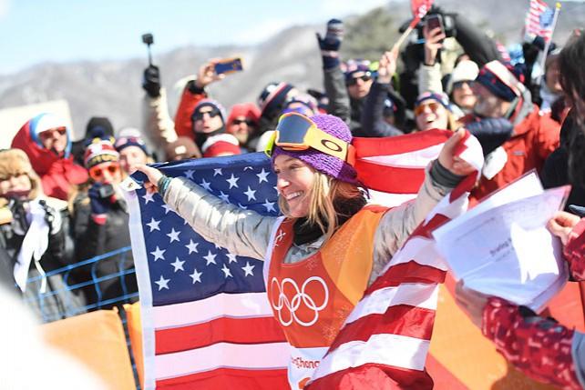 Сноубордистка из США Джейми Андерсон выиграла золотую награду в слоупстайле на зимних ОИ