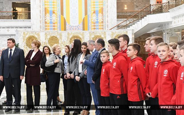 Представители спортивной сферы побывали с экскурсией во Дворце Независимости