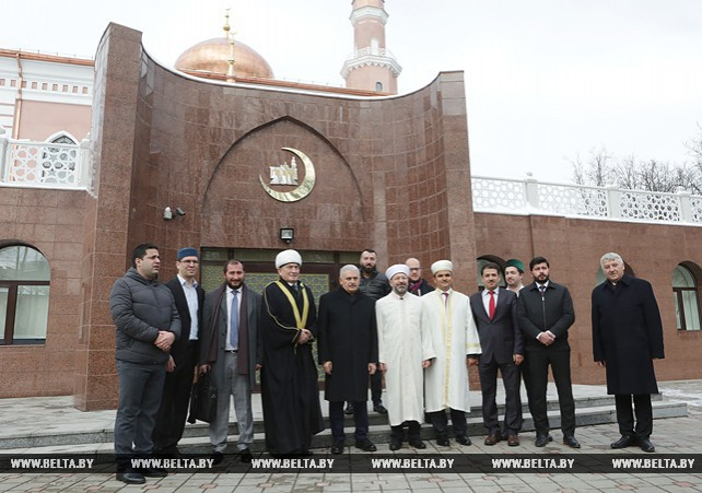 Премьер-министр Турции посетил мечеть Мусульманского религиозного объединения в Беларуси