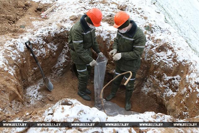 Внеплановые поисковые работы проходят в Гродно на месте обнаружения останков бойцов Красной армии