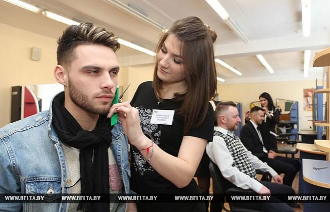 Конкурс профессиональных парикмахеров прошел в Гомеле