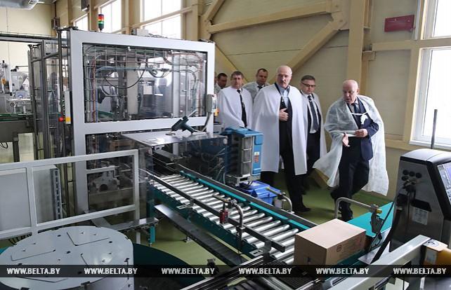 Лукашенко посетил сахарорафинадный комбинат в Слуцке