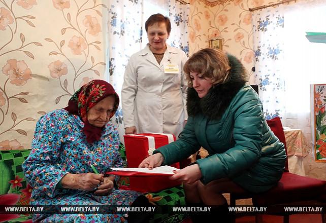 Голосование для ветеранов войны на дому организовано в агрогородке Тонеж Лельчицкого района