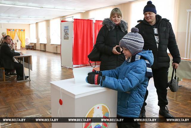 Выборы депутатов местных Советов проходят в Минске