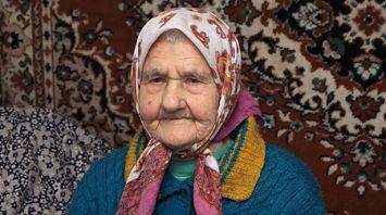 Столетняя ветеран труда Татьяна Муха приняла участие в голосовании